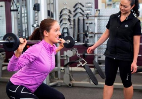 What are the benefits of becoming a personal trainer?